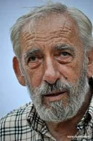 Ο Νίκος Κωνσταντινίδης παρουσιάζει την ποιητική συλλογή του Ζαχαρία Αγγελάκου «Μιλώ σ' εσένα»