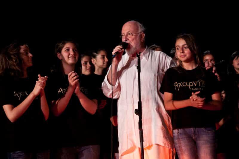 Γιορτές λήξης σχολικών ετών των Εκπαιδευτηρίων «ΡΟΔΙΩΝ ΠΑΙΔΕΙΑ»: δεκαέξι χρόνια Θέατρο Μεσαιωνικής Τάφρου